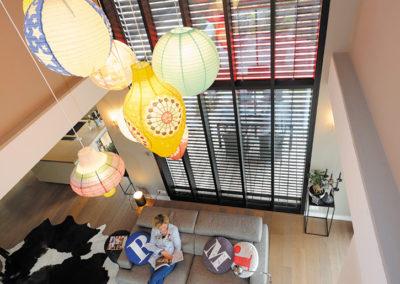Mur rideau en Aluminium type atelier d'artiste avec brise soleil orientable